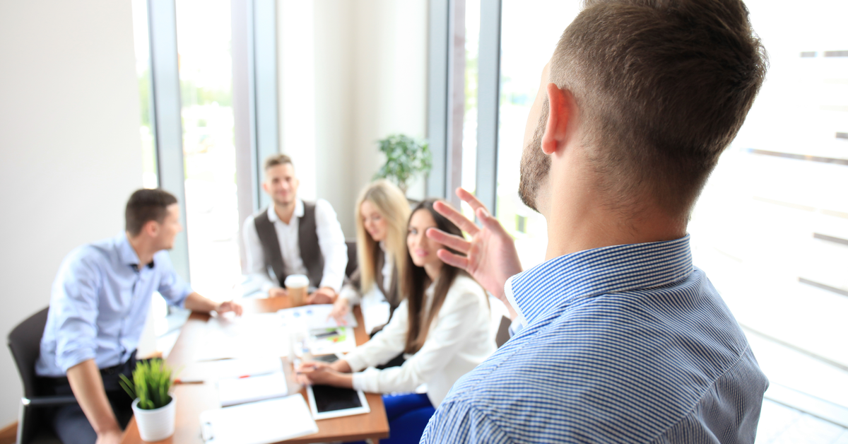 How To Set Up Team Meetings For Your Building Company